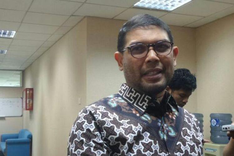 Anggota Komisi III DPR dari Fraksi PKS Nasir Djamil di Kompleks Parlemen, Senayan, Jakarta, Senin (7/11/2016)