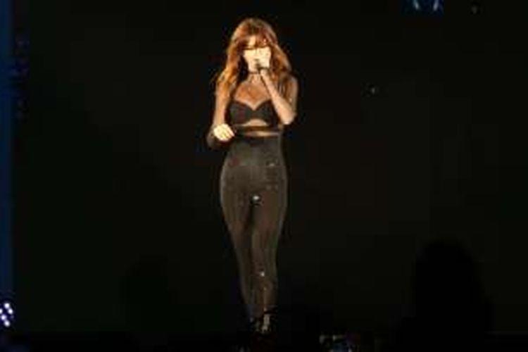 Selena Gomez tampil dalam konser bertajuk 'Revival Tour' di Indonesia Convention Exhibition (ICE) BSD, Tangerang Selatan, Sabtu (23/7/2016).