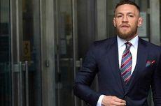 Conor McGregor Pincang dan Gunakan Kruk Usai Kalah dari Poirier