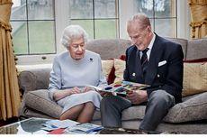 Ratu Elizabeth dan Pangeran Philip Rayakan Ulang Tahun Pernikahan yang ke-73