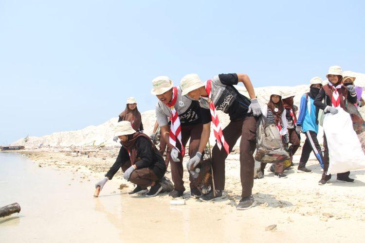 Dalam Sehari Dompet Dhuafa Bersih-Bersih Serentak di 13 Titik