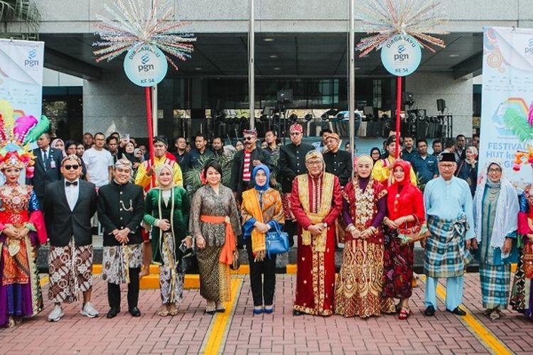 PGN merayakan HUT ke 54 dengan parade kebudayaan.