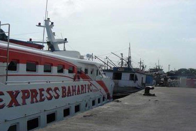 Foto Kapal Express Bahari 1 C yang melayani rute Gresik-Bawean