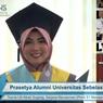 Kisah Mahasiswa Wisuda Online: Pinjam LCD Proyektor agar Ditonton Seluruh Keluarga