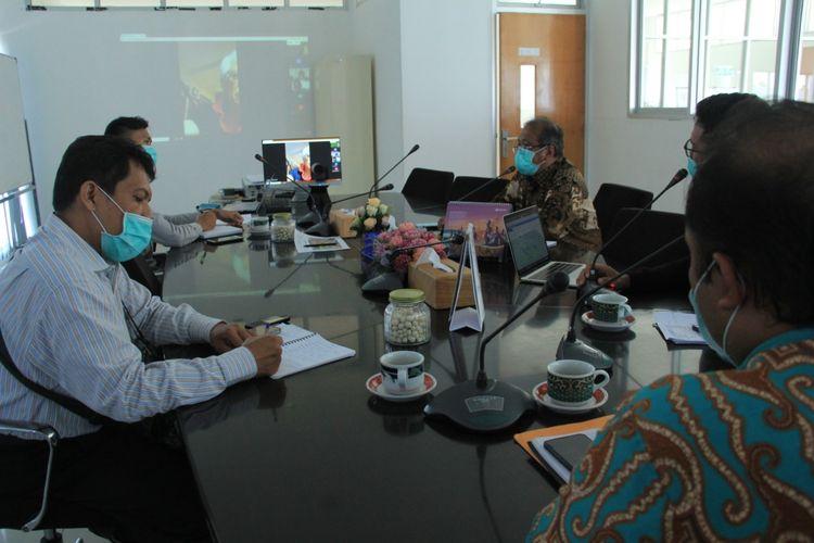 Selain gaji dosen, dosen PNS bisa menerima pendapatan dengan mengisi seminar(Foto: Humas Itera Lampung)