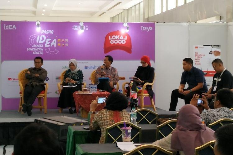 Executive Director ATT Authorized Global Partner Alibaba.com, Amalia Prabowo (tengah) menjadi pembicara pada diskusi yang digelar oleh Asosiasi e-Commerce Indonesia (idEA) di JCC, Jakarta, Jumat, (16/8/2019).