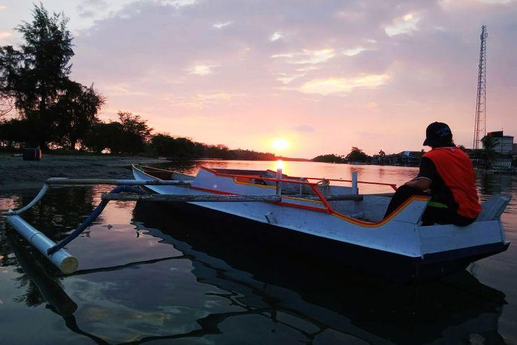 Indahnya pemandangan matahari terbedam di Tanjung Malaha