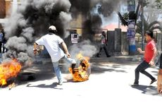 Ricuh, Unjuk Rasa Protes atas Vonis terhadap Bupati Kolaka