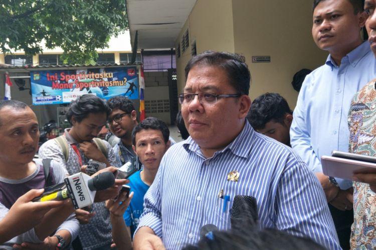 Komisioner Ombudsman RI, Adrianus Meilala  di Mapolda Metro Jaya, Selasa (13/2/2018).