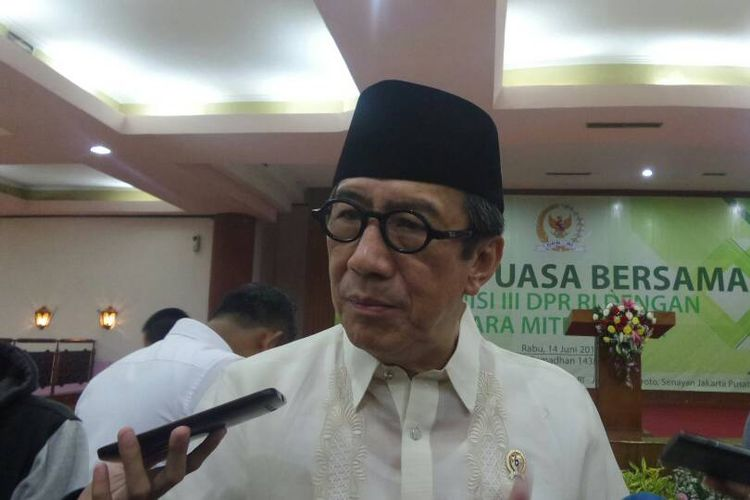Menteri Hukum dan HAM Yasonna Laoly di Kompleks Parlemen, Senayan, Jakarta, Rabu (14/6/2017).