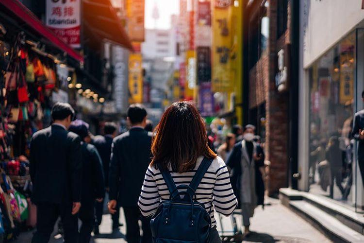 Ilustrasi wisatawan berlibur di Korea Selatan.