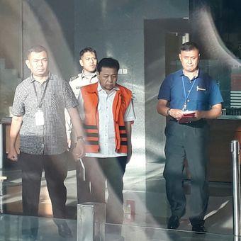 Mantan Ketua DPR Setya Novanto usai pemeriksaan di KPK, Selasa (19/12/2017).