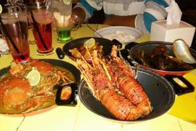 Nongkrong Asyik Sambil Makan Seafood Di Kerang Kiloan Bang Jono