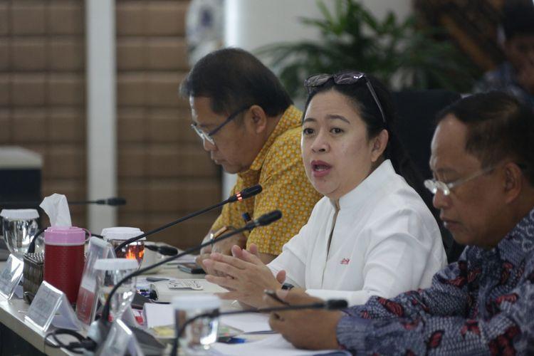 Menteri Koordinator Pembangungan Manusia dan Kebudayaan memimpin Rapat Koordinasi Tingkat Menteri (RTM) Rehabilitasi dan Rekonstruksi Pasca Bencana Gempa Bumi di NTB, di Jakarta, Jumat (5/10/2018).
