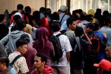 Ambil Uang Jaminan THB, Masyarakat Antre Panjang di Jakarta Kota