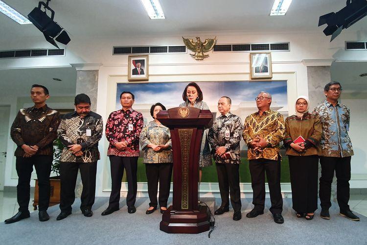 Panitia Seleksi Calon Pimpinan Komisi Pemberantasan Korupsi mengumumkan 10 nama yang lolos seleksi. Pengumuman itu disampaikan usai pansel menyerahkan 10 nama tersebut kepada Presiden Jokowi, Senin (2/9/2019).