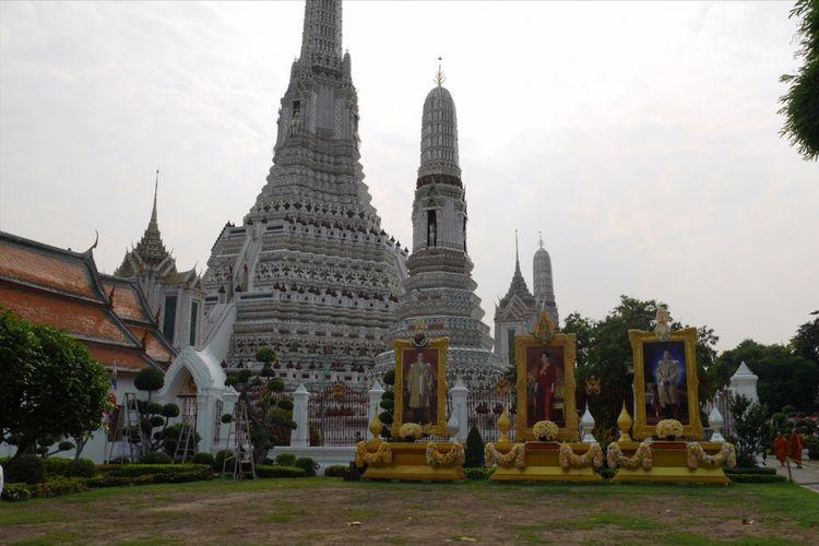 Wat Arun salah satu kuil ikonik di Bangkok, Thailand, Minggu (4/2/2018).
