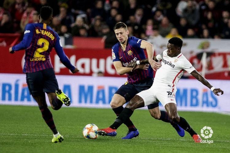 Duel Sevilla vs Barcelona tersaji di Stadion Ramon Sanchez Pizjuan pada pertandingan pertama perempat final Copa del Rey, 23 Januari 2019.