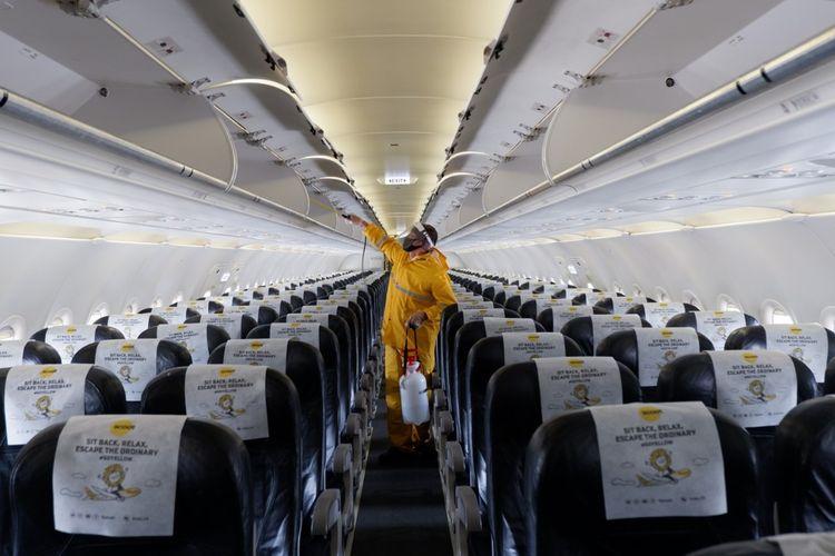 Pesawat A320 dari Maskapai Scoot asal Singapura mulai beroperasi di Bandar Udara Yogyakarta International Airport di Kulon Progo, Daerah Istimewa Yogyakarta. Disinfeksi sebagai bagian dari protokol kesehatan salah satu yang wajib dilaksanakan.