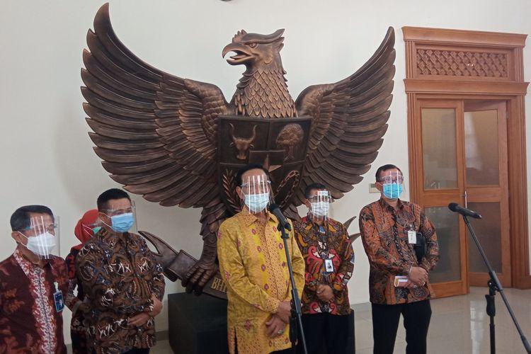 Gubernur DIY Sri Sultan Hamengkubuwono X ditemui di Gedung Pracimasana Kompleks Kepatihan Senin, (4/1/2021)