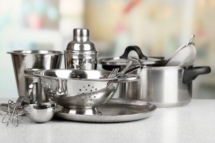 Ilustrasi alat masak dari stainless steel