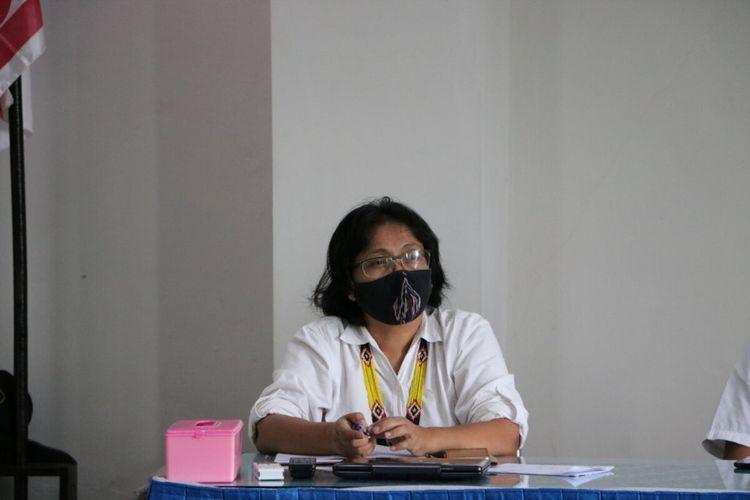 Juru Bicara Gugus Tugas Penanganan Covid-19 Kulon Progo Daerah Istimewa Yogyakarta, TH Baning Rahayujati.