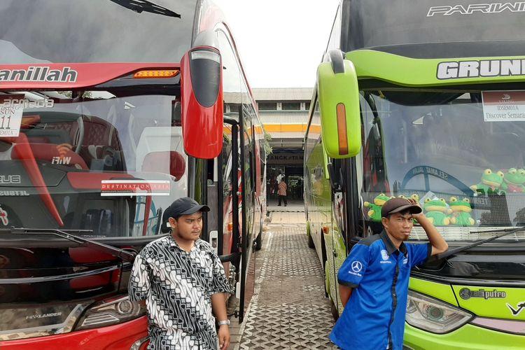 Armada bus