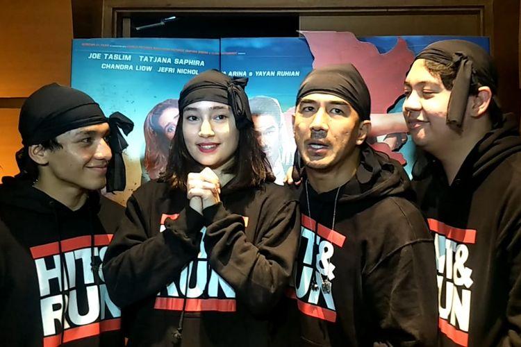 Jefri Nichol, Tatjana Saphira, Joe Taslim dan Chandra Liow ditemui saat theater visit Hit & Run di XXI Blok M Square, Kebayoran, Jakarta Selatan, Selasa (4/6/2019).