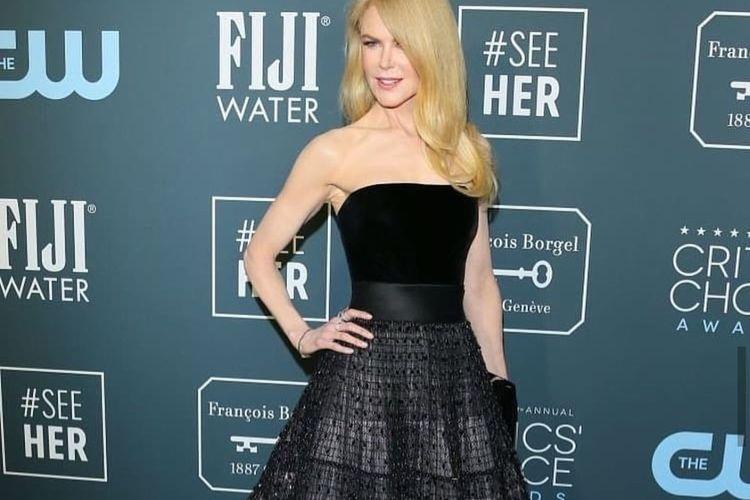Nicole Kidman tetap tampak cantik dan segar di usia 52 tahun.