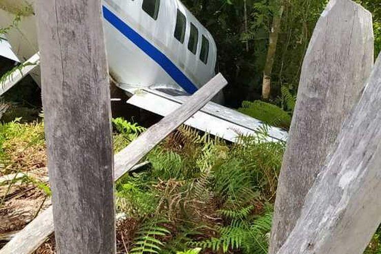 Pesawat Tariku Aviation yabg mengalami kecelakaan ketika mendarat di Bandara Distrik Siriwo, Kabupaten Paniai, Papua, Sabtu (1/8/2020)