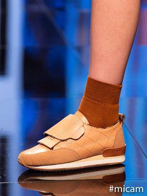 Sepatu Pijakbumi dipamerkan dalam The Micam Milano 2020.