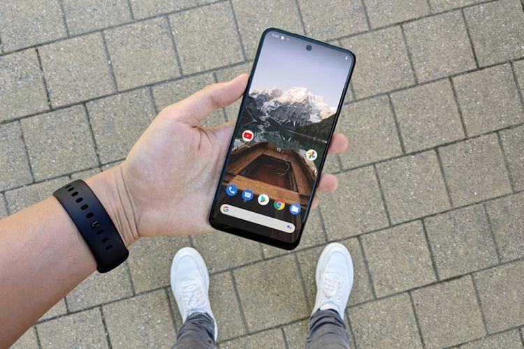 Smartphone Redmi Note 9 Pro dilengkapi dengan kamera belakang sebanyak 4 buah, masing- masing memiliki resolusi 64 MP, 8MP, 5 MP dan 2 MP.