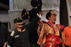 Opera kecoa, Menertawakan Kemelaratan