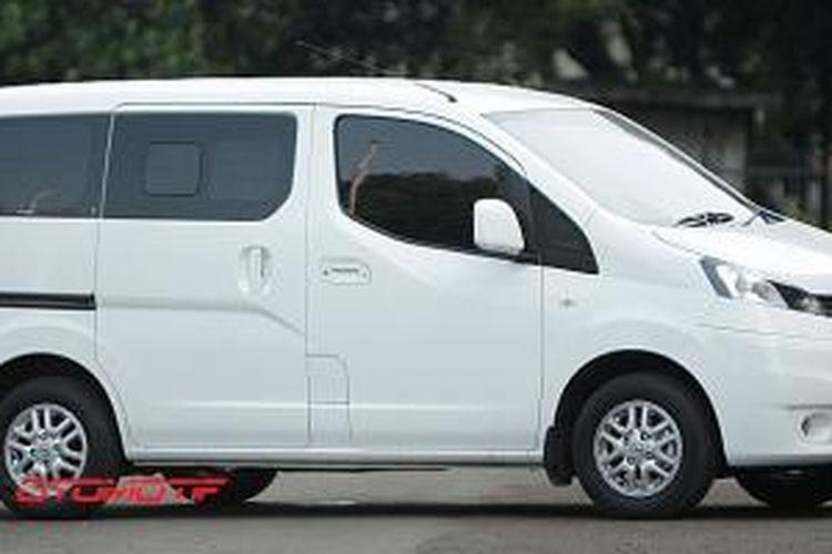 Nissan Evalia tampil dengan karakter boxy dengan tampilan ala van mewah