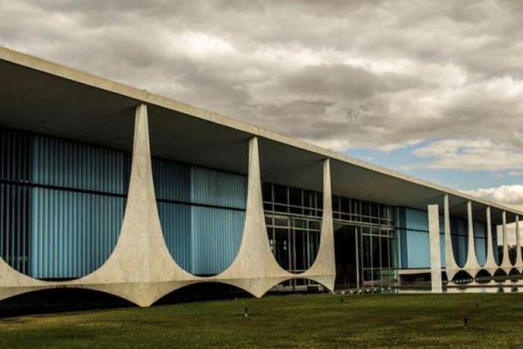 Istana Alvorada, kediaman resmi Presiden Brasil.