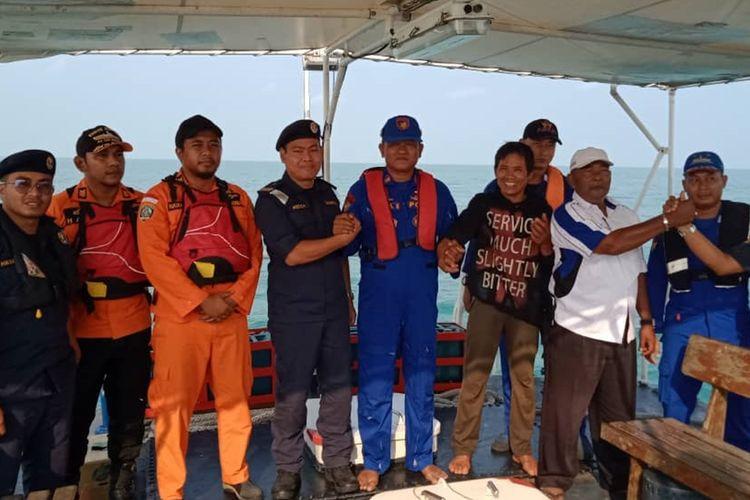 Abdurahaman (50), seorang nelayan asal Teluk Uma, Kabupaten di Karimun, Kepulauan Riau yang dilaporkan hilang saat melaut, akhirnya berhasil ditemukan hanyut di Perairan Malaysia oleh penjaga pantai Malaysia, Jumat (27/9/2019) petang kemarin.