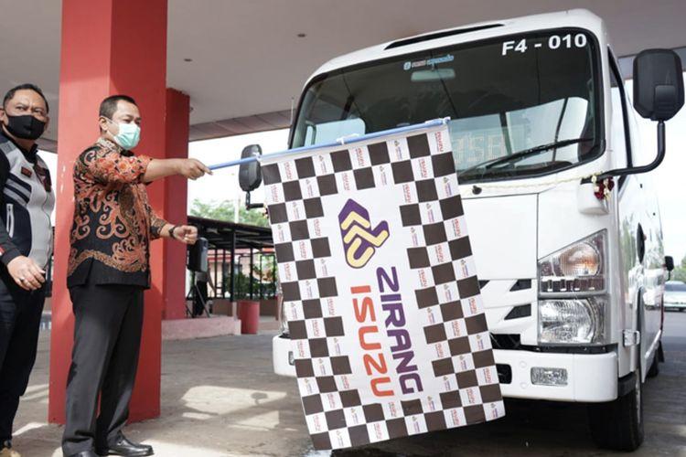 Isuzu ELF NLR Blx jadi bus feeder Trans Semarang