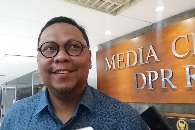 Wakil Ketua Komisi II DPR Lukman Edy di Kompleks Parlemen, Senayan, Jakarta, Rabu (10/5/2017).