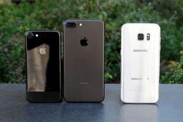 Apple iPhone 7, iPhone 7 Plus, dan Samsung Galaxy S7 Edge.