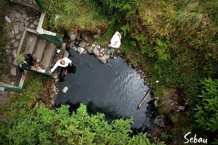 Sebau atau pemandian air panas di kawasan Taman Nasional Gunung Rinjani, NTB.