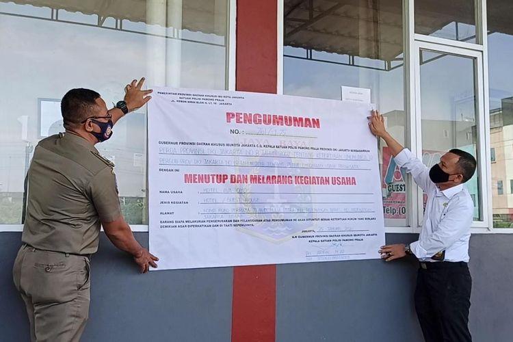Pemerintah Provinsi DKI Jakarta telah menutup operasional penginapan AVA OYO yang berlokasi di Komplek Ruko Permata Ancol, Pademangan, Jakarta Utara pada Senin (25/1/2021).