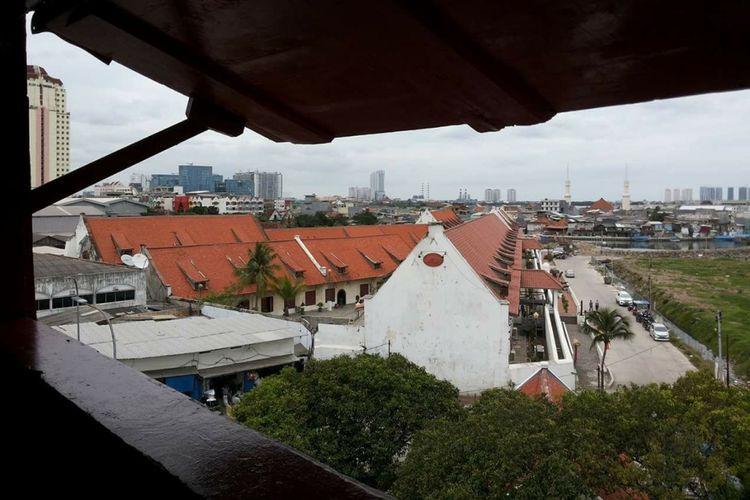 Museum Bahari dilihat dari Menara Syahbandar, Jakarta, Jumat (13/1/2017).