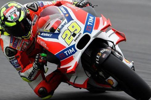 Iannone Pole Position GP Austria, Rossi Menguntit