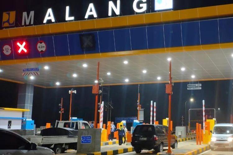 Gerbang Tol Malang Jalan tol Pandaan-Malang.