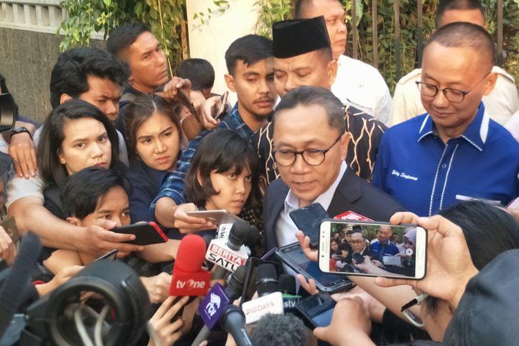 Ketua Umum Partai Amanat Nasional (PAN) Zulkifli Hasan saat ditemui di kediaman Prabowo Subianto, Jalan Kertanegara, Jakarta Selatan, Kamis (27/6/2019).