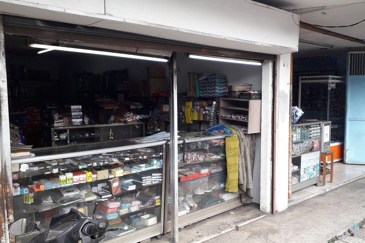 Pedagang kios KS Tubun di depan Asrama Brimob sudah berjualan seperti biasa pada Kamis (23/05/2019).