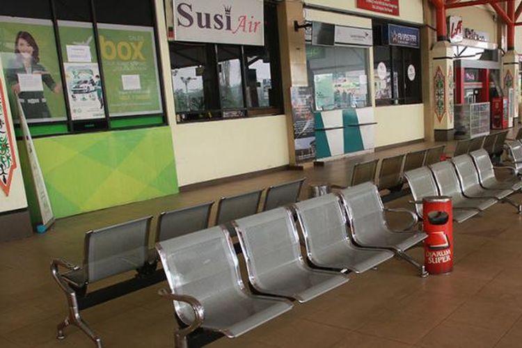 Ruang tunggu Bandara Tjilik Riwut, Palangkaraya, Kalimantan Tengah (27/10/2015).
