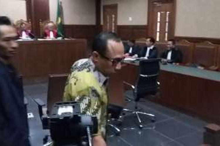 Anggota Komisi V DPR dari Fraksi PAN Andi Taufan Tiro di Pengadilan Tindak Pidana Korupsi, Jakarta, Senin (25/4/2016).
