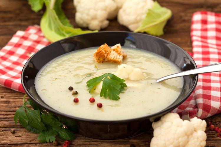 Ilustrasi sup krim kembang kol