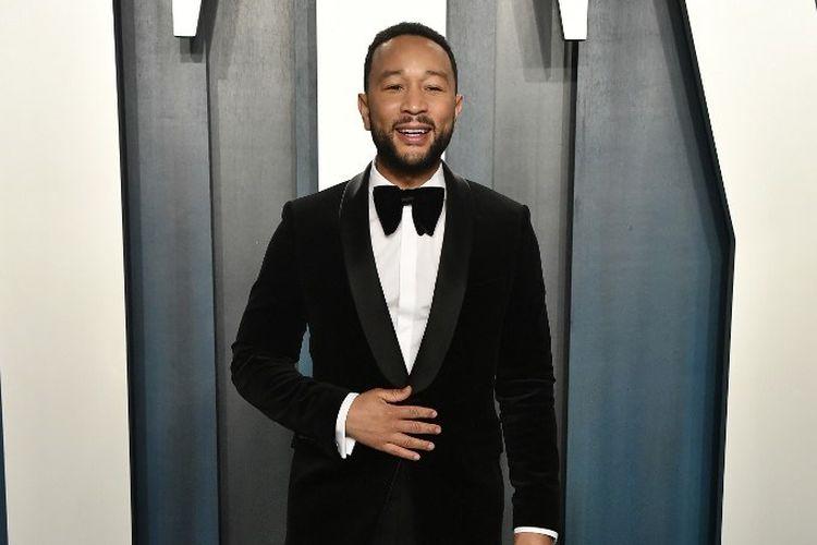 Penyanyi John Legend menghadiri pesta Oscar Vanity Fair 2020 di Wallis Annenberg Center for the Performing Arts di Beverly Hills, California pada 9 February 2020.